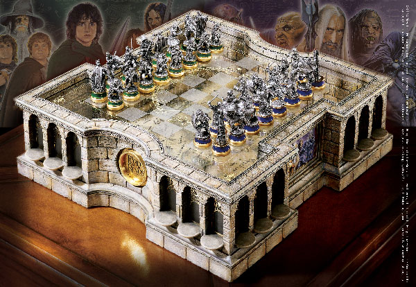 LOTR - Collector's Chess Set