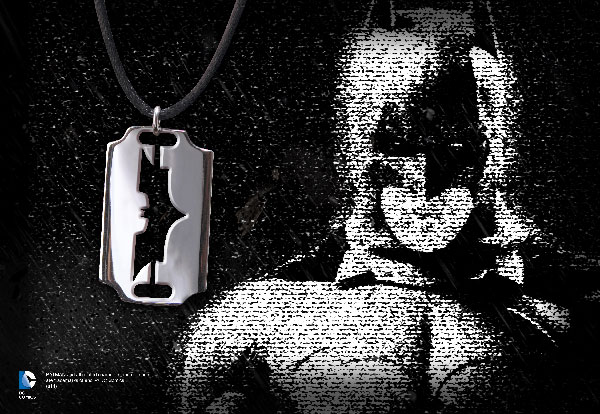 Batman™ Emblem Razor Pendant