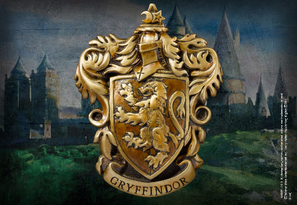 Gryffindor TM House Crest - Harry Potter