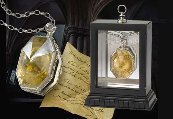 The locket from the Cave - Harry Potter