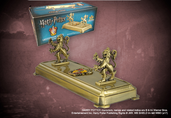 Gryffindor wand display - Harry Potter