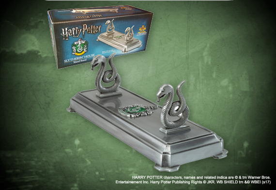 Slytherin wand display - Harry Potter